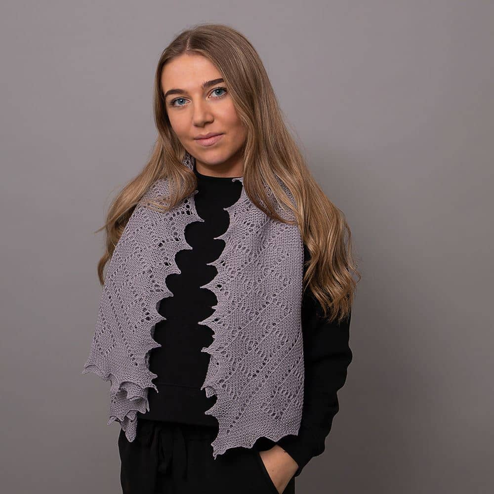 Classic Shetland style merino wool shawl - Grey