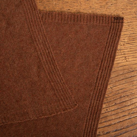 Lambswool Plain Knit Hazelnut close up